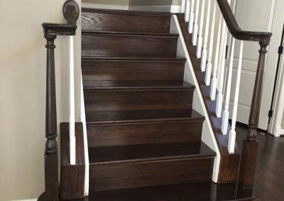 Hardwood_Dark_Staircase